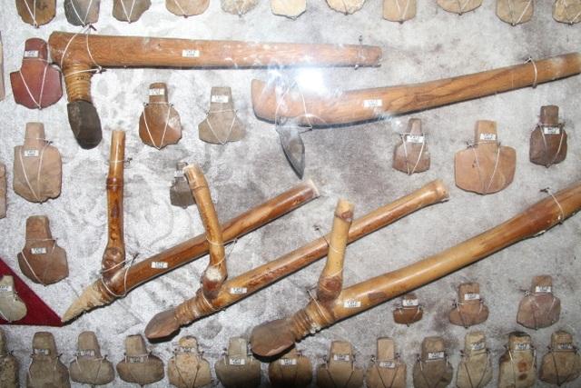 Người đàn ông dành cả thanh xuân để sưu tầm đá cổ - 2