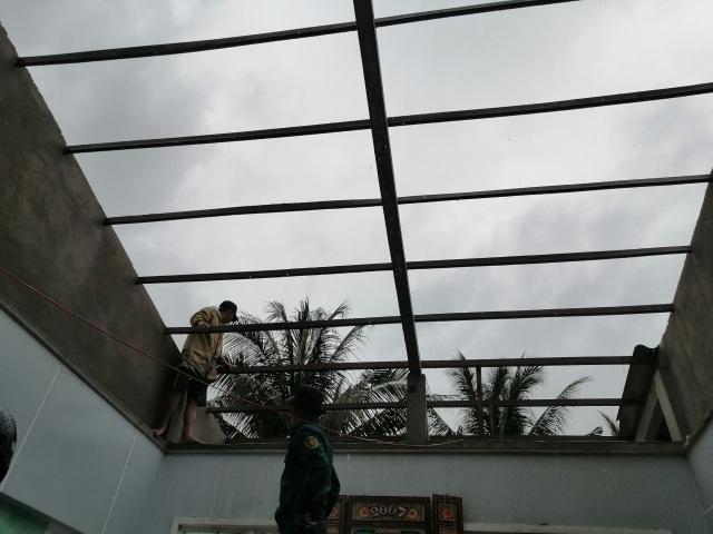 Hàng trăm gia đình miền Tây điêu đứng vì bão số 2 - 3