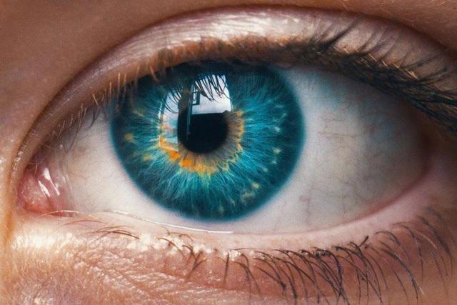 Mắt có thể tiết lộ những chấn thương trong quá khứ của bạn - 1