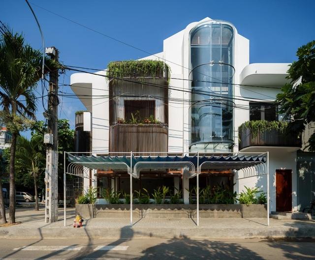 Hai ngôi nhà ở Sài Gòn được đập thông làm 1 gây bất ngờ vì thiết kế độc đáo - 2