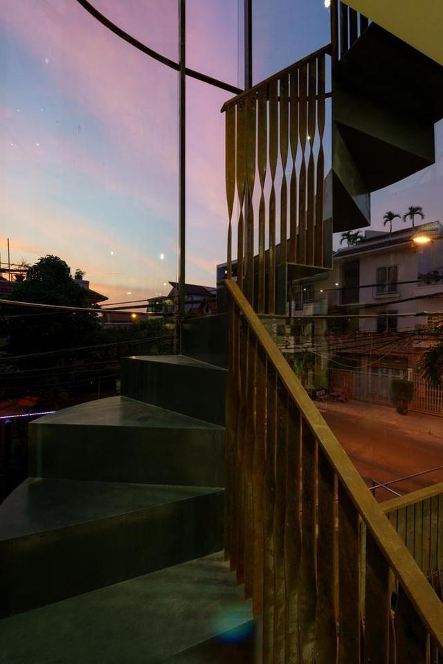 Hai ngôi nhà ở Sài Gòn được đập thông làm 1 gây bất ngờ vì thiết kế độc đáo - 10