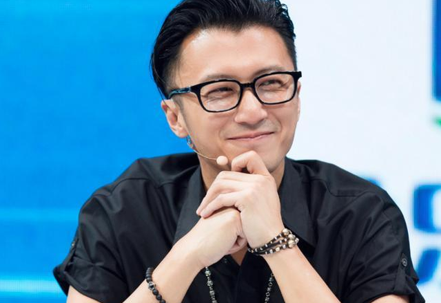 Tạ Đình Phong lại bị chỉ trích là người cha vô tâm - 3