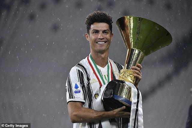 C.Ronaldo suýt rời Juventus để gia nhập PSG - 3