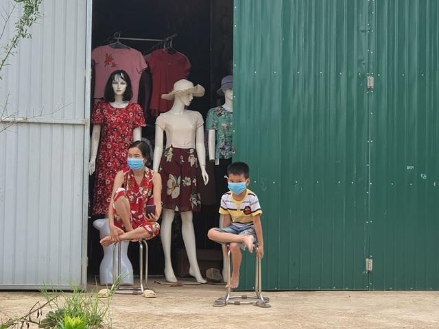 Hình ảnh phong tỏa khu vực có bệnh nhân Covid-19 ở Bắc Giang - 4