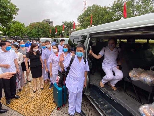 Đoàn y bác sĩ Hà Nội, Hải Phòng lên đường đến với tâm dịch Đà Nẵng - 2