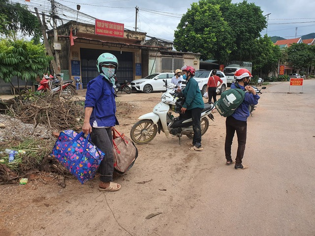 Hình ảnh phong tỏa khu vực có bệnh nhân Covid-19 ở Bắc Giang - 14