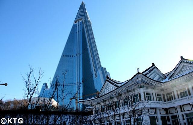 Sau 33 năm, khách sạn cao nhất Triều Tiên vẫn chưa từng đón khách - 3