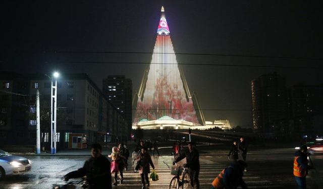 Sau 33 năm, khách sạn cao nhất Triều Tiên vẫn chưa từng đón khách - 5