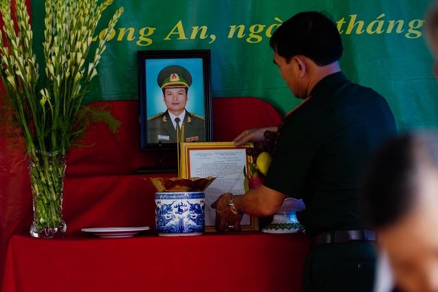 Xúc động lễ trao bằng Tổ quốc ghi công cho liệt sĩ Bộ đội Biên phòng - 6