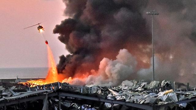 Nổ lớn rung chuyển Li Băng, 78 người chết, hàng nghìn người bị thương - 1