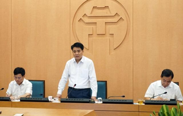 Chủ tịch Hà Nội nâng mức cảnh báo Covid-19, cấm triệt để quán bar vũ trường - 1