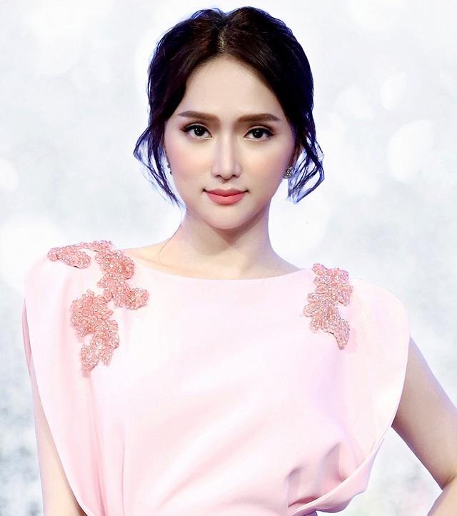 Hoa hậu Hương Giang từng muốn từ bỏ sự nghiệp, ở nhà chăm sóc người yêu - 1