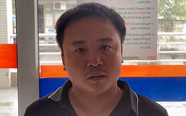"""Hà Nội: Tài xế xe container """"nghiền nát"""" xe con khai gì? - 1"""