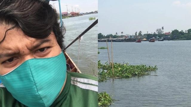 Nhiệt tình đi thuyền ra giữa sông để giao bánh cho khách - 1