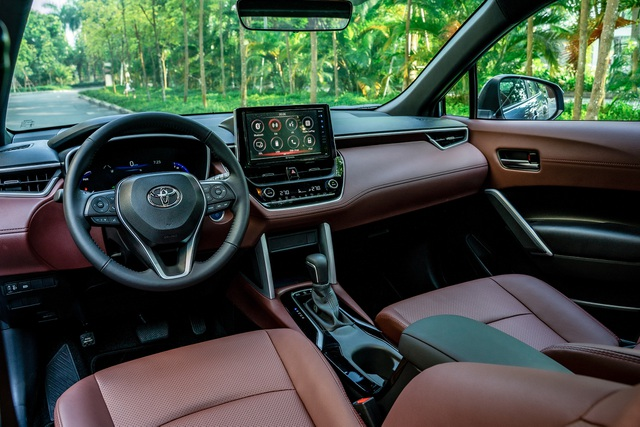 Toyota Corolla Cross giá từ 720 triệu, đấu Hyundai Tucson, Mazda CX-5 - 4