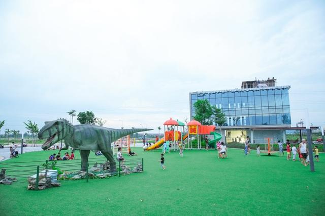 Phố Nối House xây sân chơi miễn phí rộng cả hecta - 3