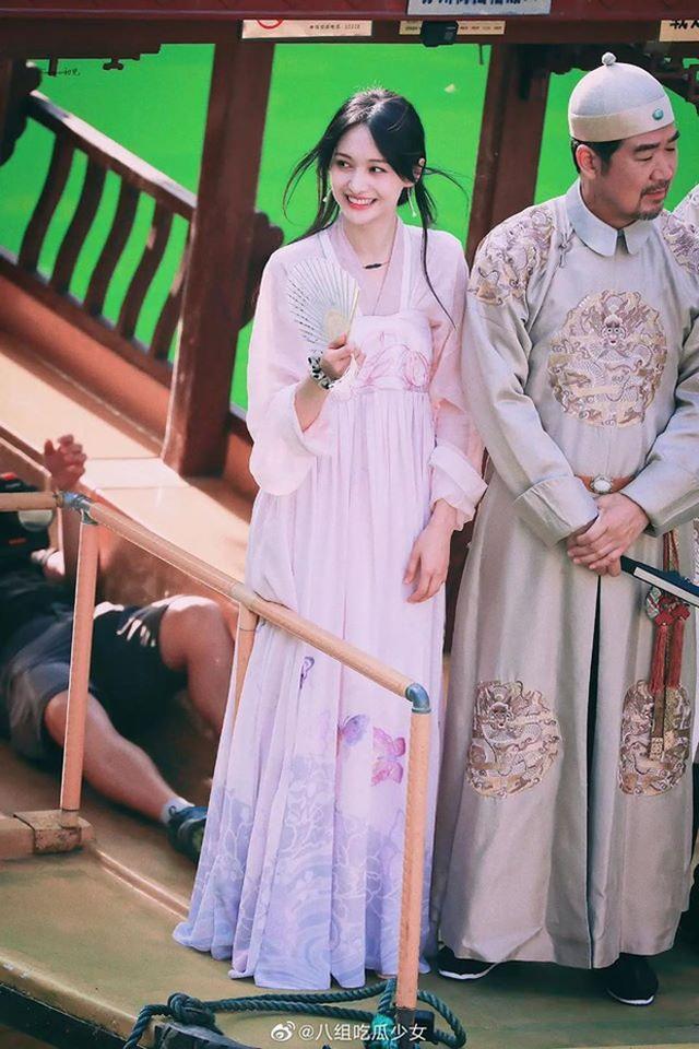 """Nhan sắc thật sự của """"nữ thần thanh xuân"""" Trịnh Sảng - 4"""