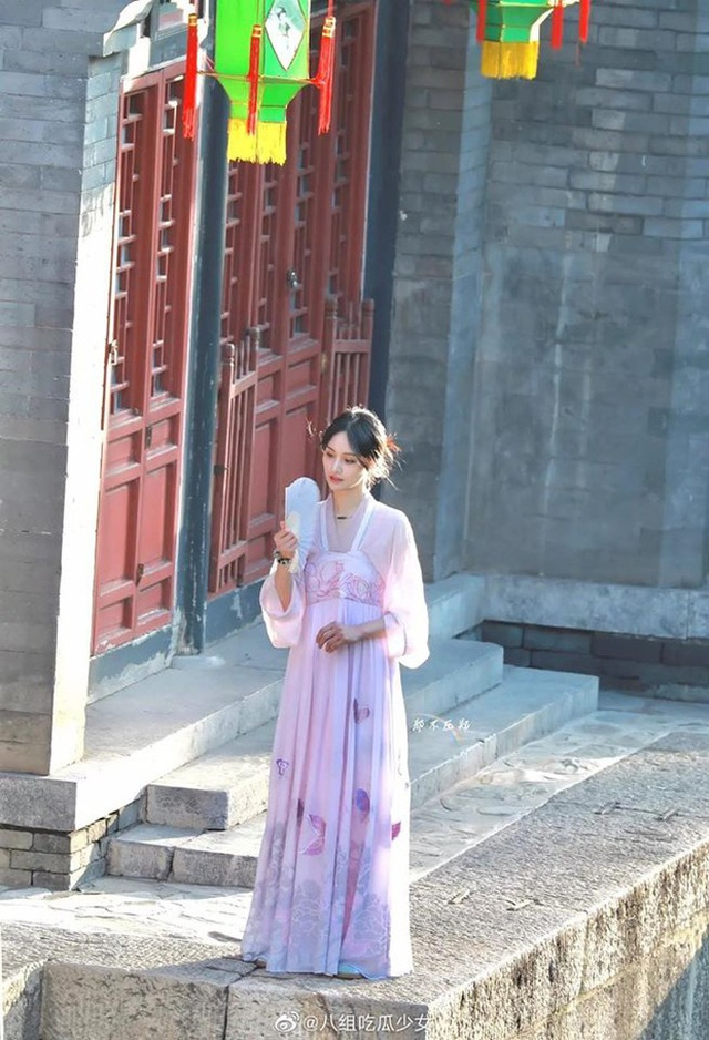 """Nhan sắc thật sự của """"nữ thần thanh xuân"""" Trịnh Sảng - 3"""