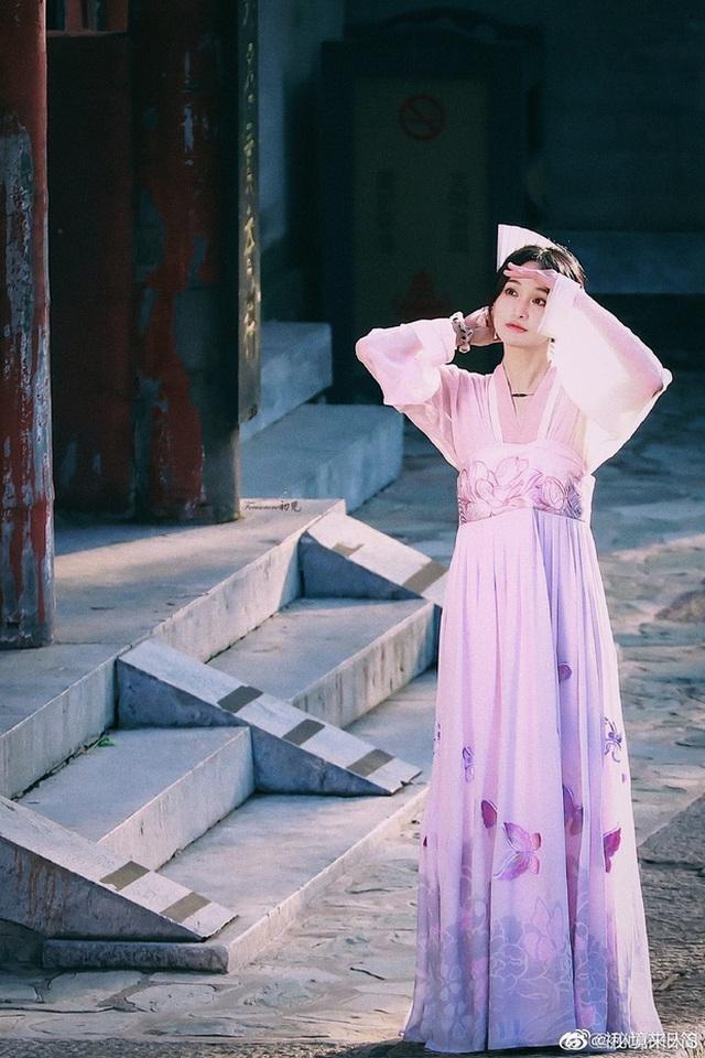 """Nhan sắc thật sự của """"nữ thần thanh xuân"""" Trịnh Sảng - 2"""
