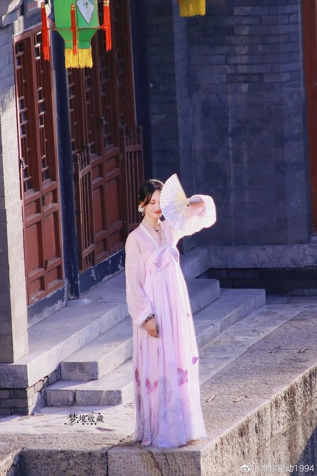 """Nhan sắc thật sự của """"nữ thần thanh xuân"""" Trịnh Sảng - 1"""