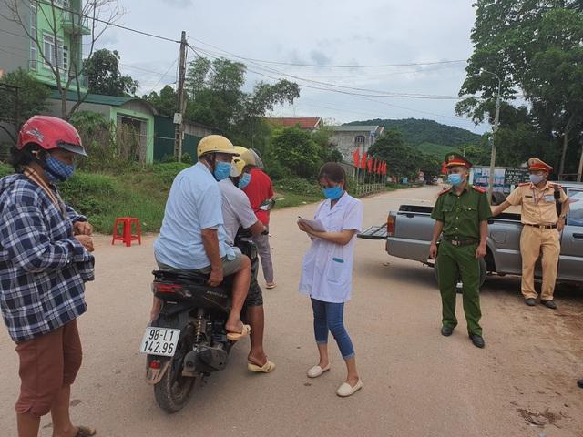 Hình ảnh phong tỏa khu vực có bệnh nhân Covid-19 ở Bắc Giang - 1
