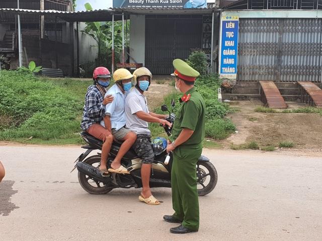 Hình ảnh phong tỏa khu vực có bệnh nhân Covid-19 ở Bắc Giang - 2