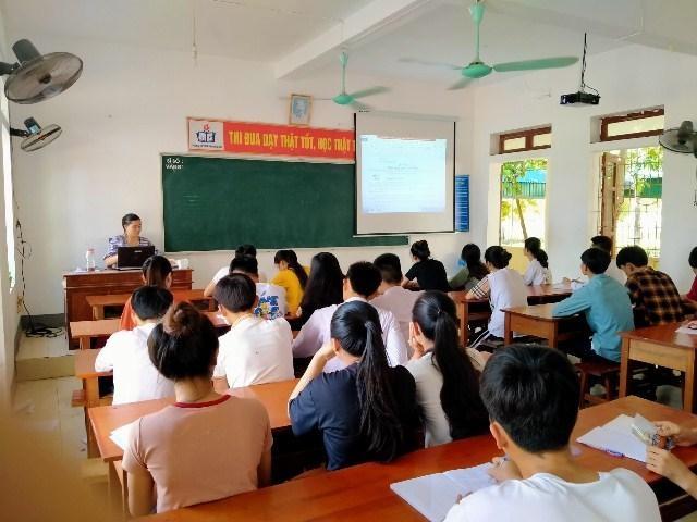 Hà Tĩnh: Hơn 78,5% thí sinh đăng ký tổ hợp Khoa học xã hội - 1