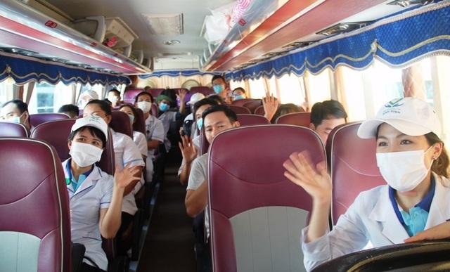 """Những chiến sĩ áo blouse trắng chia lửa"""" giúp Đà Nẵng chống dịch Covid-19 - 11"""