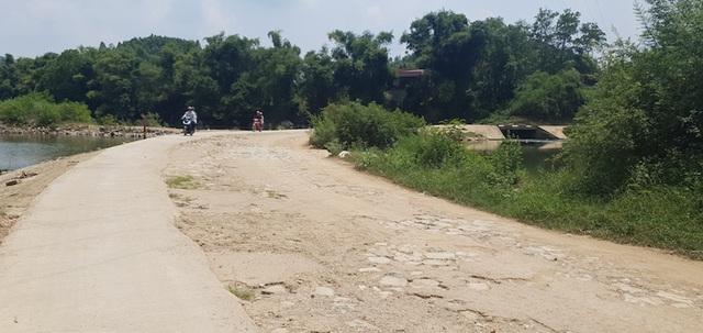 """Doanh nghiệp làm đường """"chặt đôi"""" dòng sông để chở cát sỏi tại Lạng Sơn - 5"""