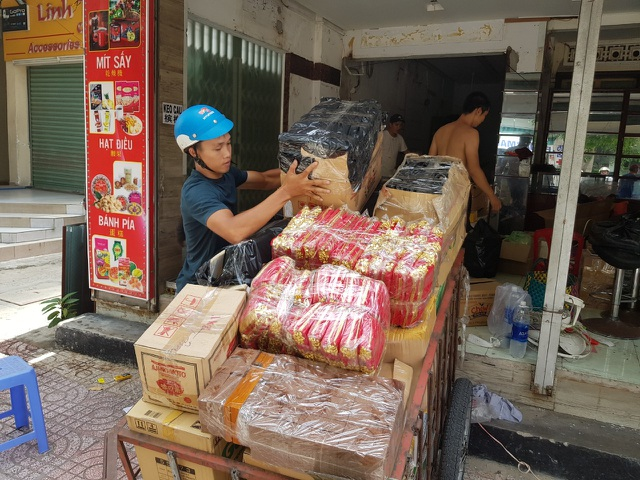 """""""Làn sóng"""" trả mặt bằng ở phố du lịch Nha Trang do dịch Covid-19 - 1"""