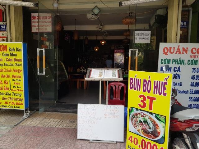 """""""Làn sóng"""" trả mặt bằng ở phố du lịch Nha Trang do dịch Covid-19 - 3"""
