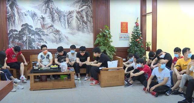 Phát hiện 20 người Trung Quốc nhập cảnh trái phép, trốn trong khách sạn - 1