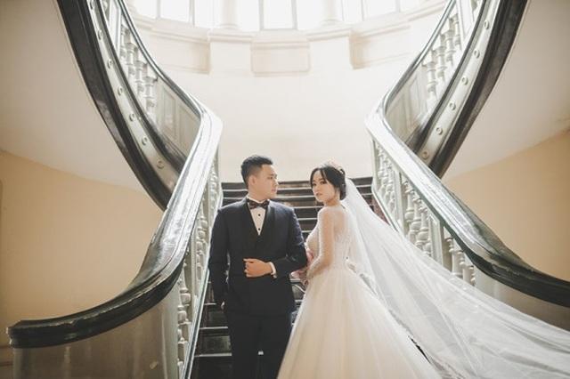 Cặp đôi biến khẩu trang thành phụ kiện độc chụp ảnh cưới - 8