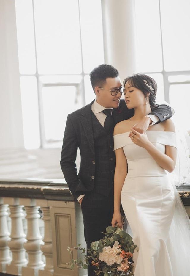 Cặp đôi biến khẩu trang thành phụ kiện độc chụp ảnh cưới - 9