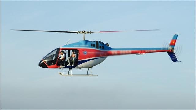 Đen Vâu thuê máy bay trực thăng để... bay lên trời đọc rap - 1