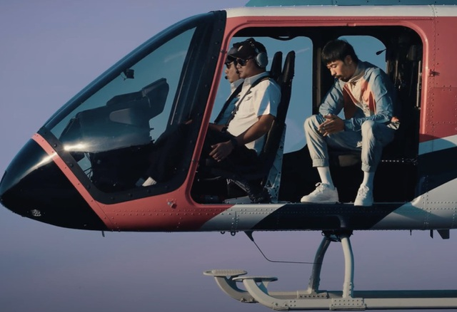 Đen Vâu thuê máy bay trực thăng để... bay lên trời đọc rap - 4