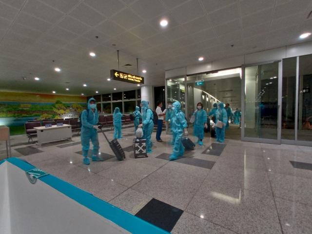 Việt Nam lần đầu tiên có chuyến bay giải cứu 350 công dân ở Texas - Mỹ - 3