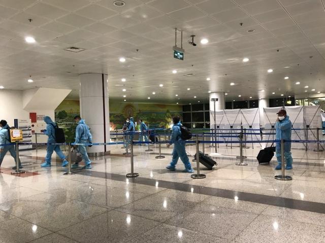 Việt Nam lần đầu tiên có chuyến bay giải cứu 350 công dân ở Texas - Mỹ - 2