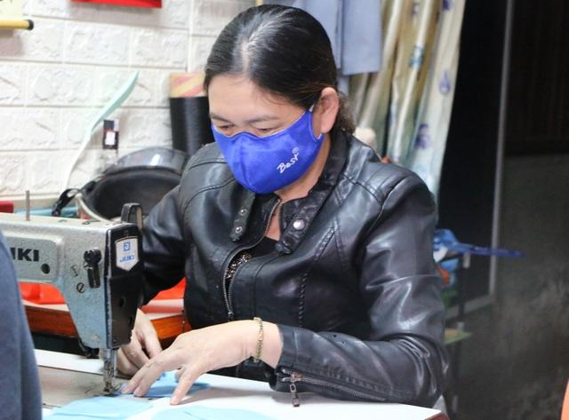 May 1 vạn khẩu trang tặng người khó khăn để phòng chống dịch - 1