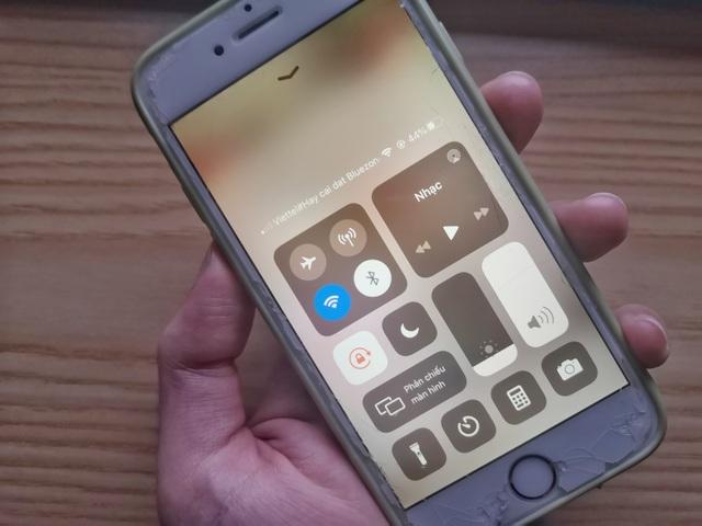 Dân mạng thích thú với thông điệp Hãy cài Bluezone trên điện thoại - 1