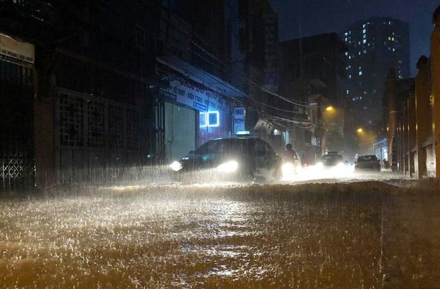 Nhiều tỉnh miền Bắc và Thanh Hóa tiếp tục mưa lớn - 1