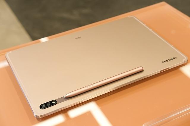 Chi tiết Samsung Galaxy Tab S7, smartwatch và tai nghe Galaxy Buds Live - 2
