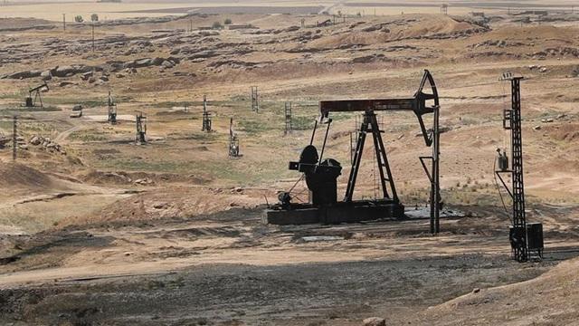 Công ty Mỹ bí mật ký hợp đồng khai thác dầu ở Syria - 1