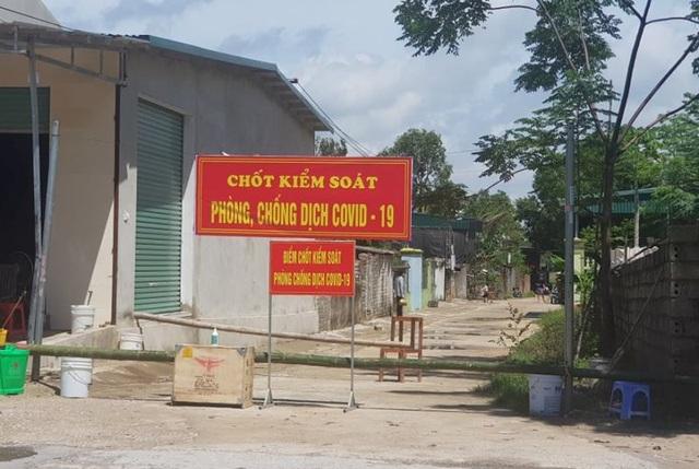 Xử phạt người từ Đà Nẵng về vẫn đi khắp nơi - 2