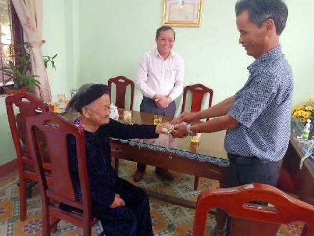 Mẹ Việt Nam Anh hùng 94 tuổi hai lần ủng hộ tiền chống dịch - 2