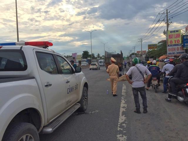 Bị xe tải cán qua người, nam thanh niên tử nạn trên quốc lộ 51 - 2