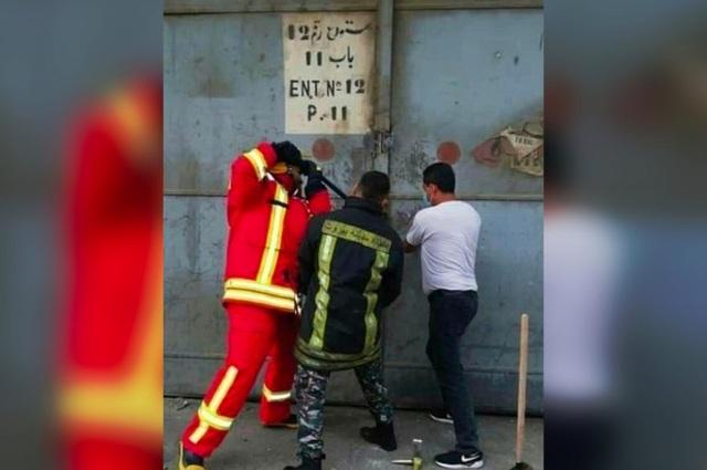 Bức ảnh cuối cùng của 3 lính cứu hỏa cố phá nhà kho ngăn thảm kịch Beirut - 1