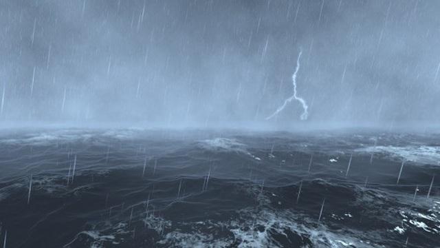 Vùng áp thấp trên Biển Đông ít di chuyển, nhiều vùng biển mưa lớn - 1