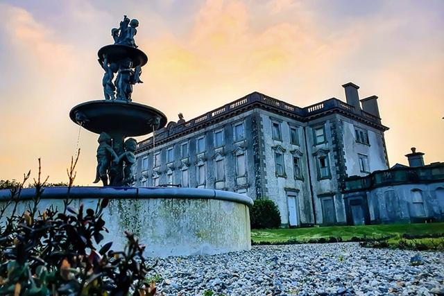 Bên trong căn biệt thự ma ám ở Ireland vừa được rao bán - 2