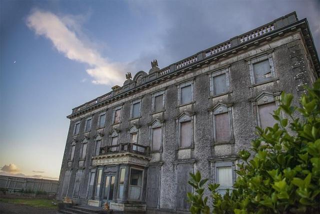 Bên trong căn biệt thự ma ám ở Ireland vừa được rao bán - 7